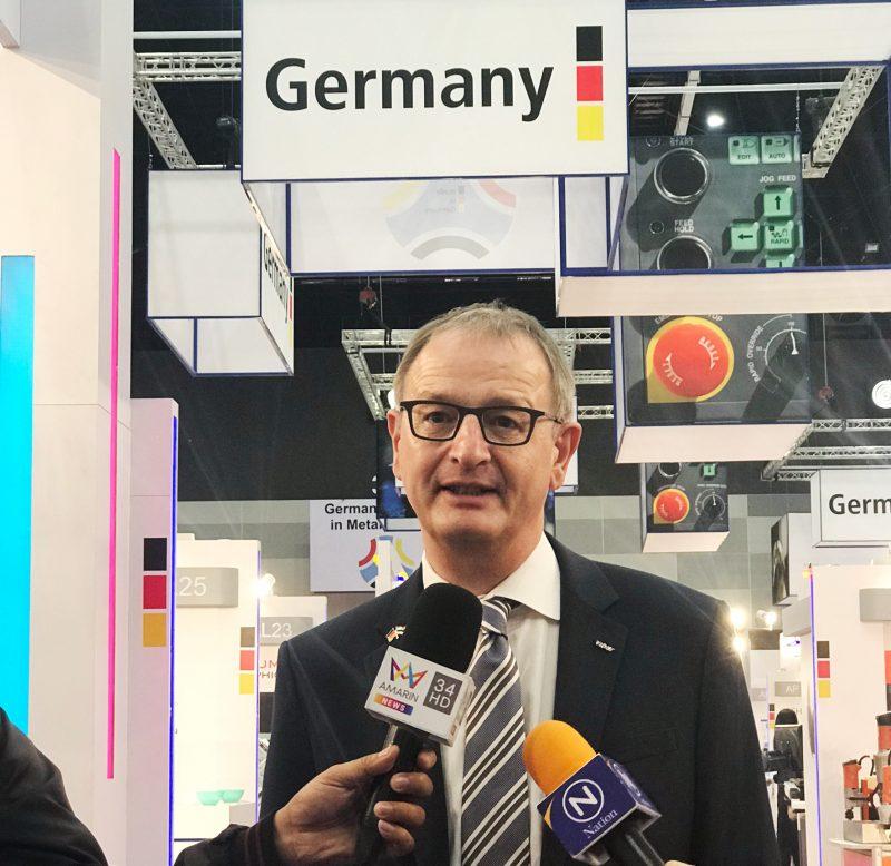Dr.Wilfried_VDW