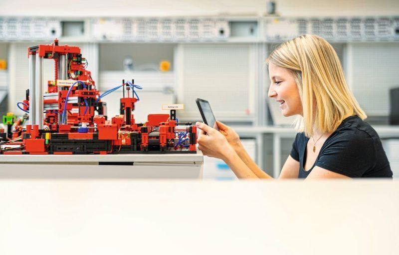 จำลองการผลิตยุค 4.0 ด้วยโรงงานจำลองขนาดตั้งโต๊ะ