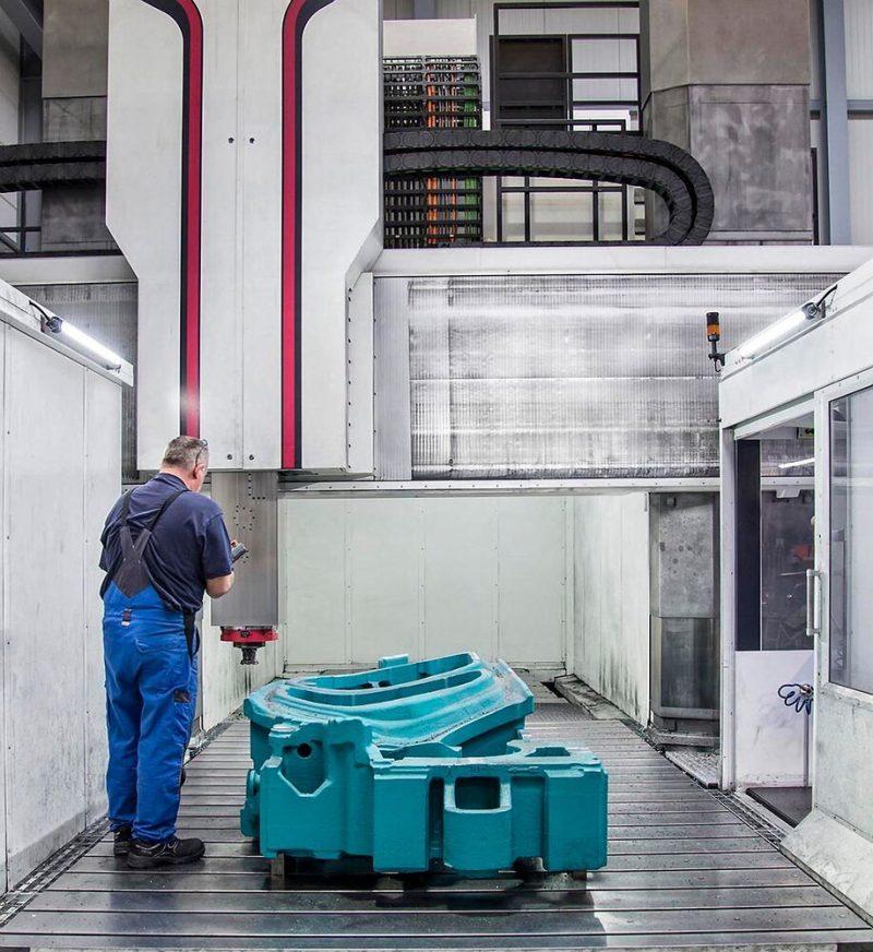 New Taurus machining center สำหรับแม่พิมพ์พลาสติกและโลหะ