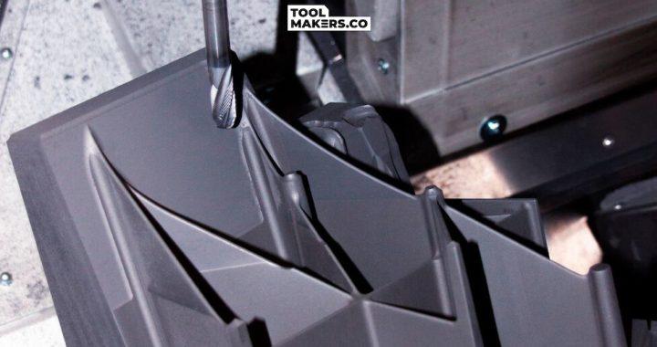การผลิตอิเล็กโตรดแกรไฟต์ : เมื่อหุ่นยนต์รับช่วงในกะดึก